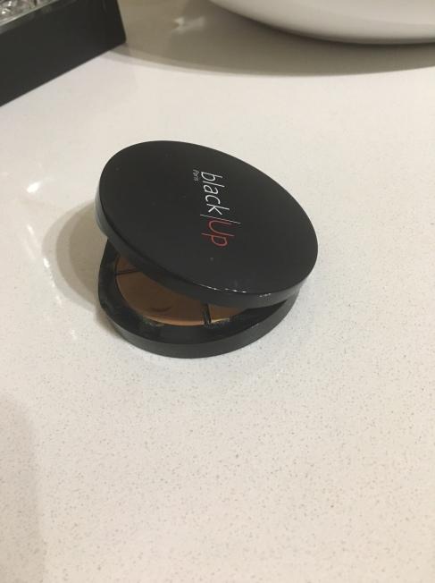 blackup-concealer